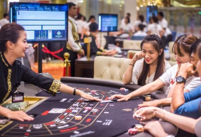 Người Việt nên chơi casino nên hay không nên?