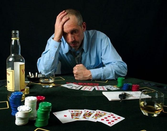 Kiêng chơi đánh bài khi tinh thần và sức khỏe không ổn định