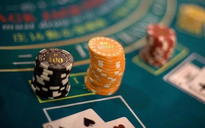 Tuyệt đối bạn không nên vay tiền để chơi cờ bạc