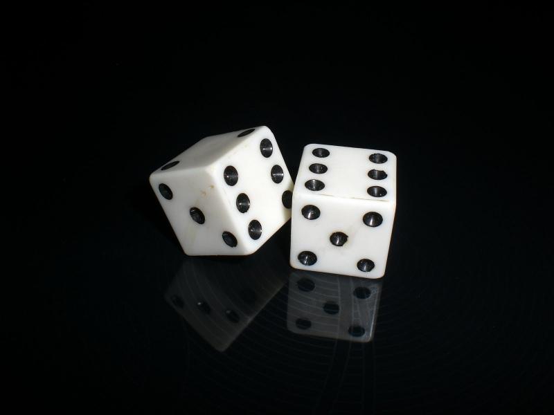 Xúc xắc món đồ tượng trưng cho sự may mắn trên sòng bạc